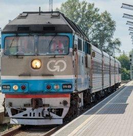 1330-tallinn-balti-jaama-tervitama-taasavatud-tallinna-peterburi-moskva-71893843