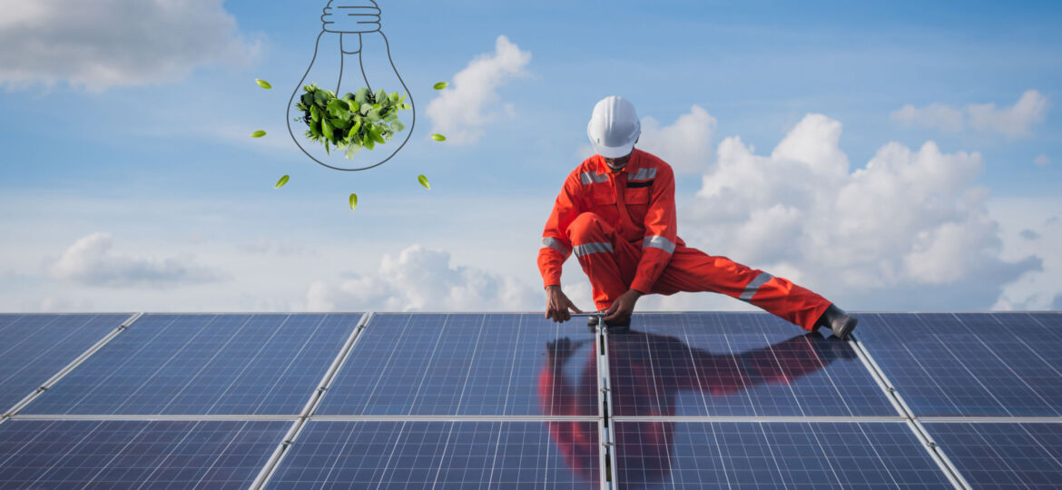 Operation,And,Maintenance,In,Solar,Power,Plant,;,Engineering,Team